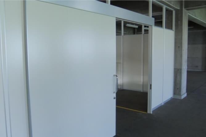 工場における大型扉の設置でお困りではないですか?
